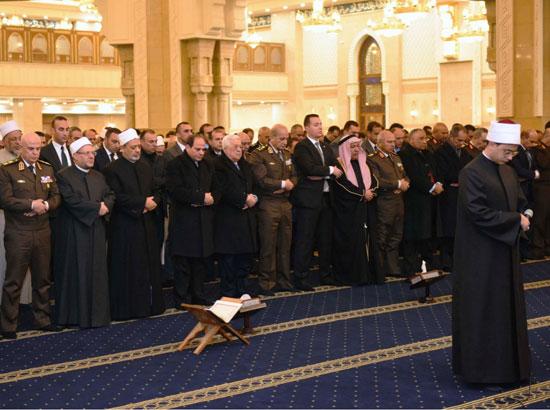 الرئيس يفتتح مسجد الفتاح العليم وكاتدرائية ميلاد المسيح (8)