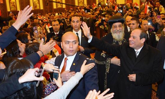 الرئيس يفتتح مسجد الفتاح العليم وكاتدرائية ميلاد المسيح (9)