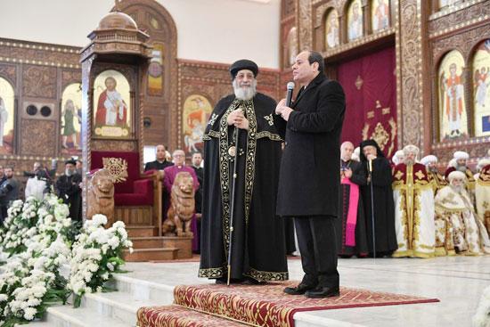 الرئيس يفتتح مسجد الفتاح العليم وكاتدرائية ميلاد المسيح (15)