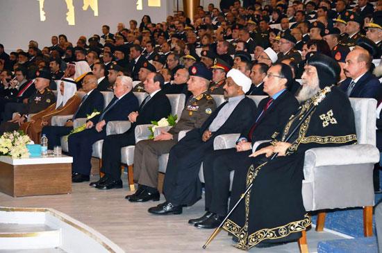 الرئيس يفتتح مسجد الفتاح العليم وكاتدرائية ميلاد المسيح (3)