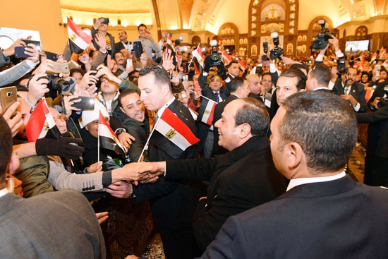الرئيس يفتتح مسجد الفتاح العليم وكاتدرائية ميلاد المسيح (13)