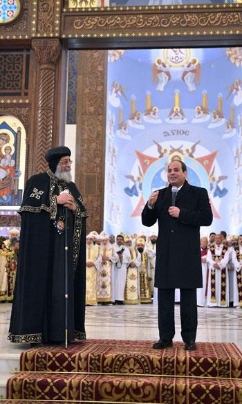 الرئيس يفتتح مسجد الفتاح العليم وكاتدرائية ميلاد المسيح (14)