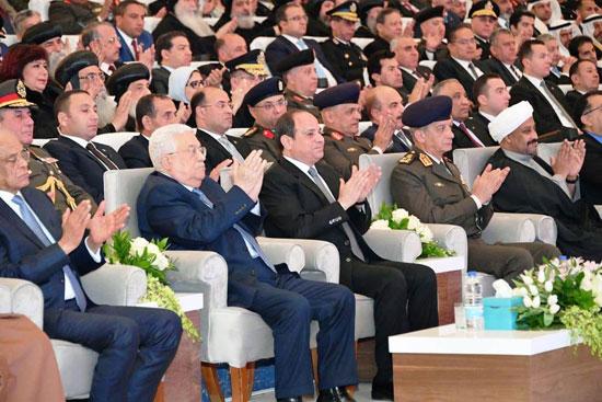 الرئيس يفتتح مسجد الفتاح العليم وكاتدرائية ميلاد المسيح (2)