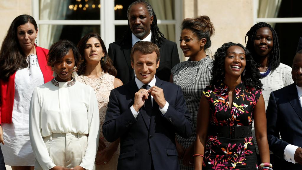 رئيس فرنسا   فى افريقيا