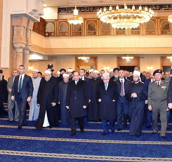الرئيس يفتتح مسجد الفتاح العليم وكاتدرائية ميلاد المسيح (6)