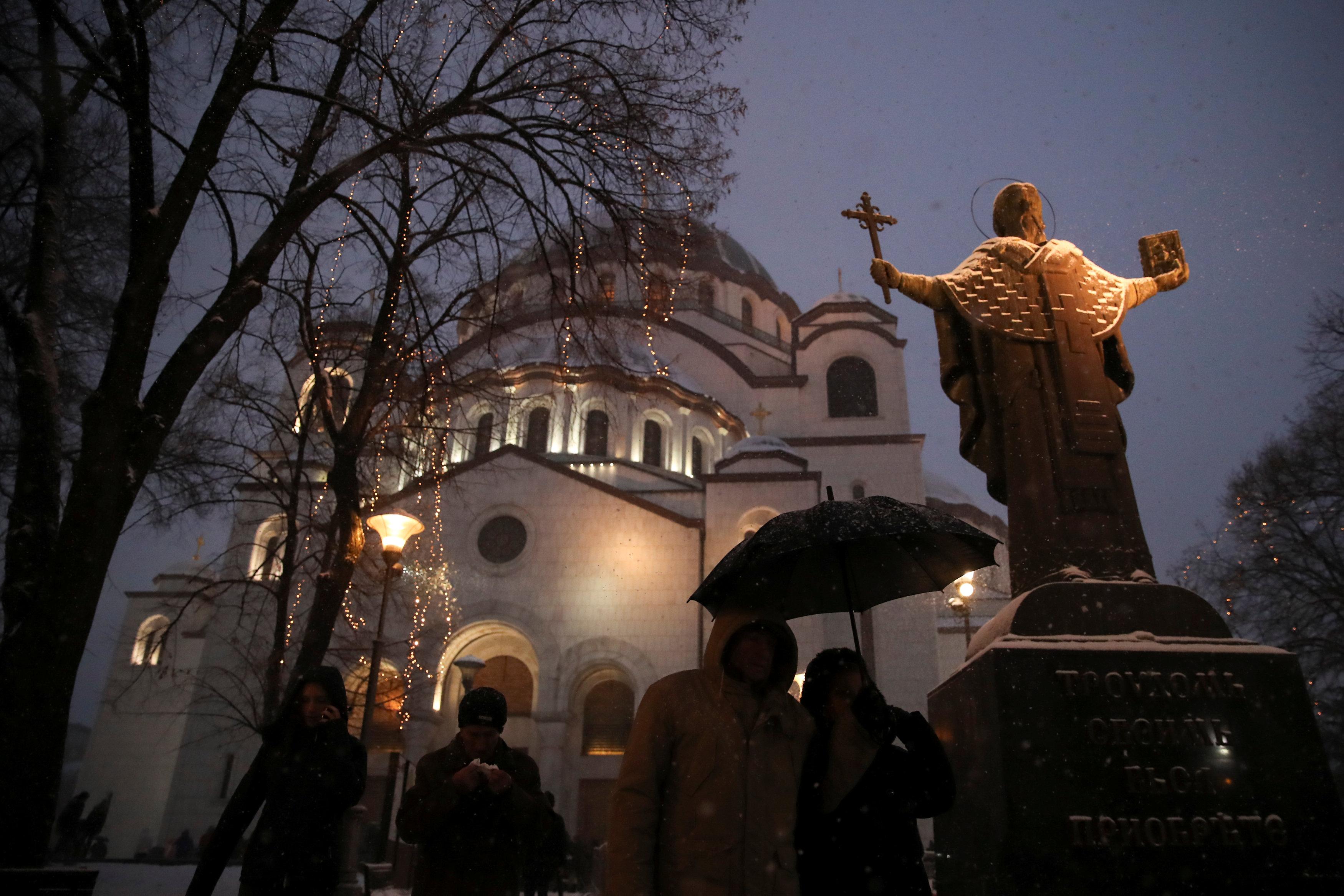 القداس فى أحد كناس صربيا