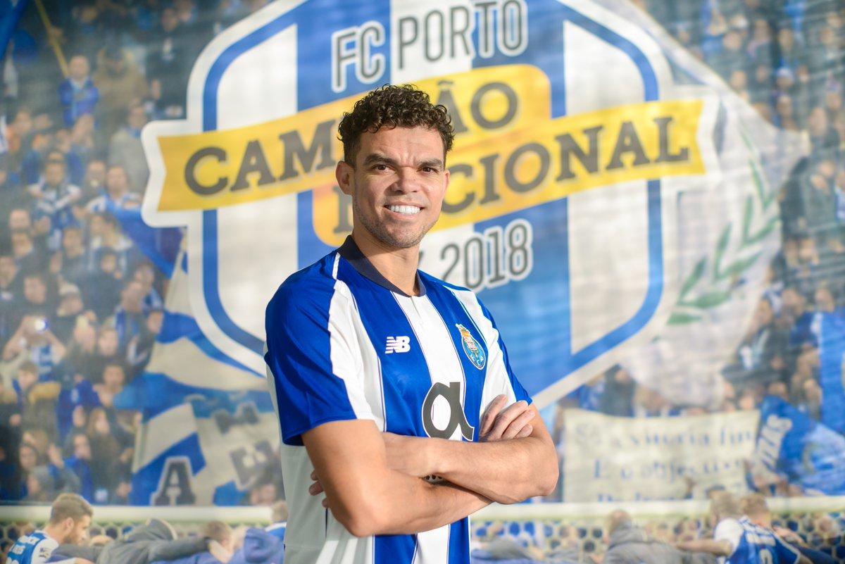 بيبي لاعباً ضمن صفوف بورتو البرتغالى
