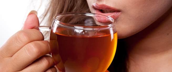 الشاى يحتوى على نسبة قليلة من الكافيين ة