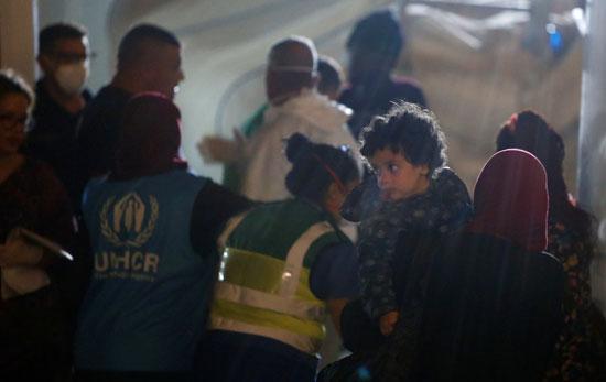 هطول الأمطار على المهاجرين