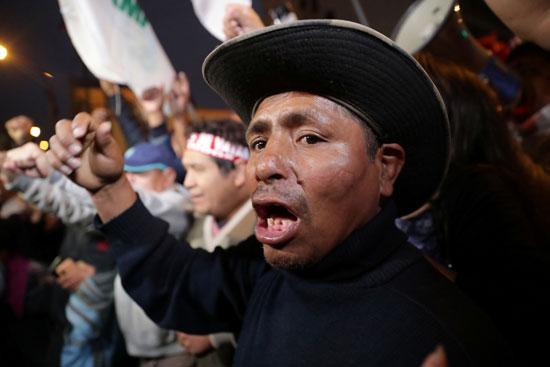 مؤيدو رئيس بيرو يحتشدون فى الشوارع