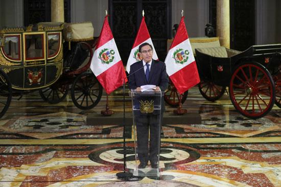 مارتن فيزكارا رئيس بيرو