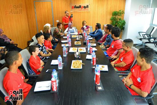 أول فريق كرة قدم لقصار القامة فى ندوة اليوم السابع (2)