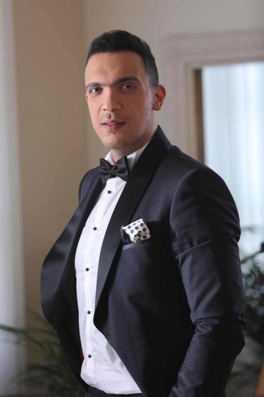 محمد سرور (1)