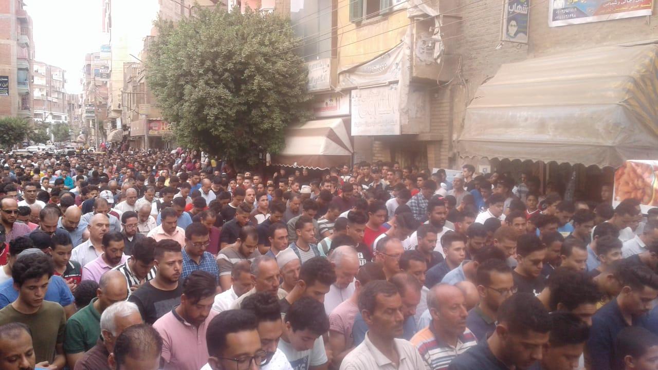جنازة مهيبة للطالب محمود البنا (1)