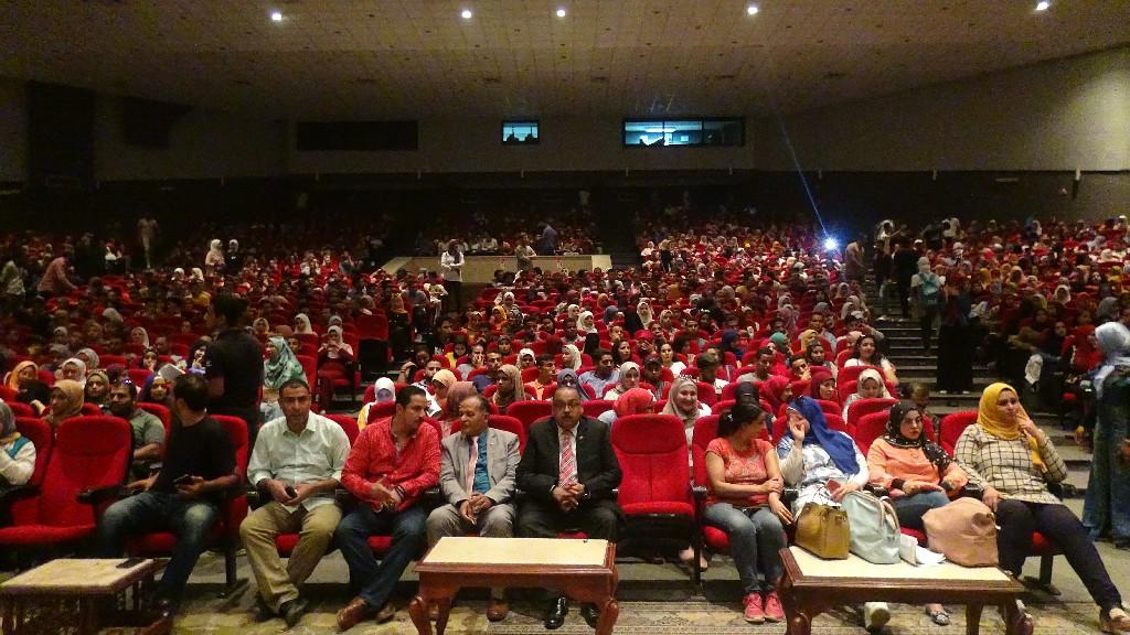 طلاب جامعة المنيا (10)