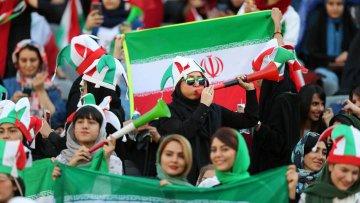 مشجعات ايران فى المدرجات (4)