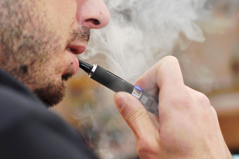 اسباب الامراض الناتجة عن السجائر الالكترونية