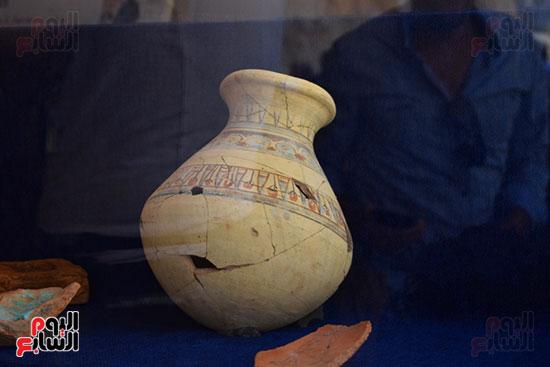 مقتنيات-وكنوز-إكتشفها-العالم-الشهير-زاهي-حواس-للبعثة-المصرية-بوادي-الملوك-ووادي-القرود-(2)