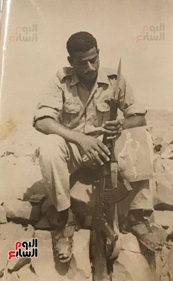 أبو-منونة-اثناء-قتاله-عندما-كان-جنديا-فى-اليمن
