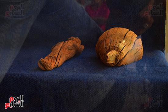 مقتنيات-وكنوز-إكتشفها-العالم-الشهير-زاهي-حواس-للبعثة-المصرية-بوادي-الملوك-ووادي-القرود-(21)