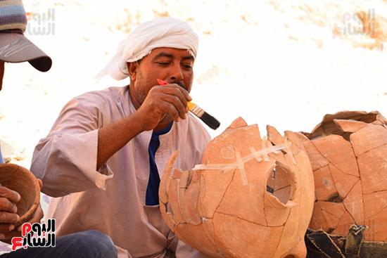 مقتنيات-وكنوز-إكتشفها-العالم-الشهير-زاهي-حواس-للبعثة-المصرية-بوادي-الملوك-ووادي-القرود-(22)