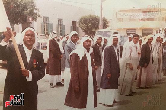 أبو-منونة-مع-رفاقه