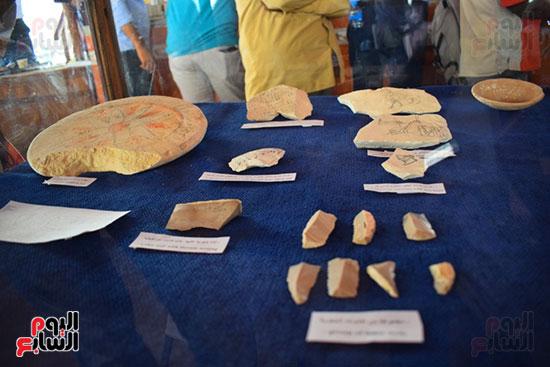مقتنيات-وكنوز-إكتشفها-العالم-الشهير-زاهي-حواس-للبعثة-المصرية-بوادي-الملوك-ووادي-القرود-(12)