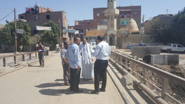 وفد متابعة المشروعات بـالوزراء يزور القرى الأكثر احتياجا (2)