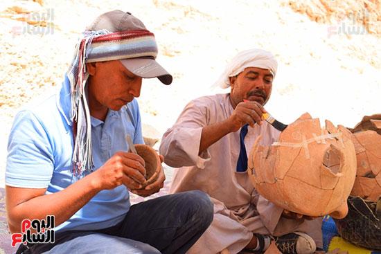 مقتنيات-وكنوز-إكتشفها-العالم-الشهير-زاهي-حواس-للبعثة-المصرية-بوادي-الملوك-ووادي-القرود-(15)