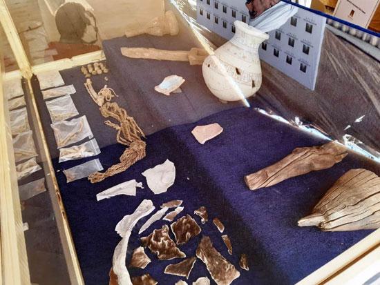 اكتشاف-اثرى-لمقبرة-ومدينة-صناعية-جديده-فى-الاقصر-(1)