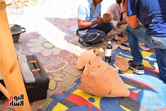 مقتنيات-وكنوز-إكتشفها-العالم-الشهير-زاهي-حواس-للبعثة-المصرية-بوادي-الملوك-ووادي-القرود-(18)