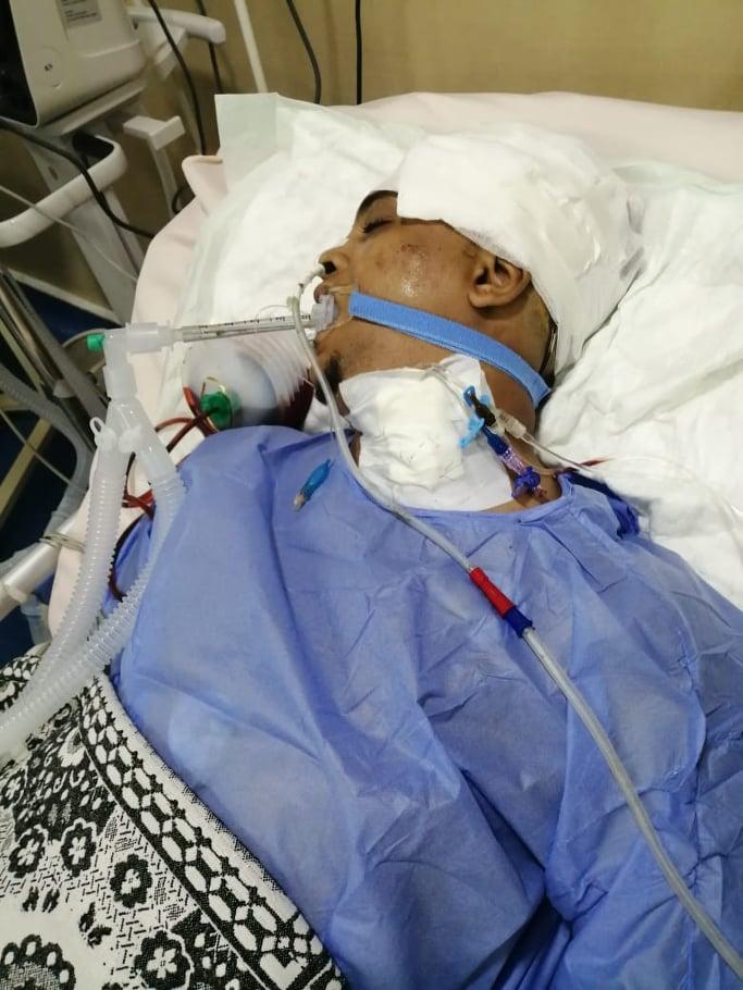المجنى عليه خلال تلقيه العلاج بالمستشفى