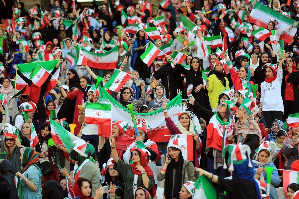 جميلات إيران فى مدرجات كرة القدم