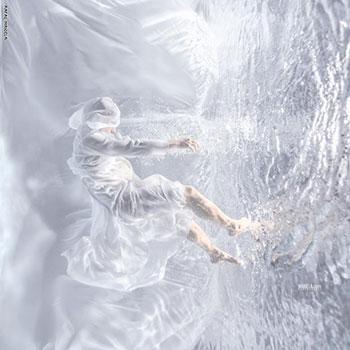 مكيلة حقق نجاحات مذهلة فى التقاط الصور تحت الماء