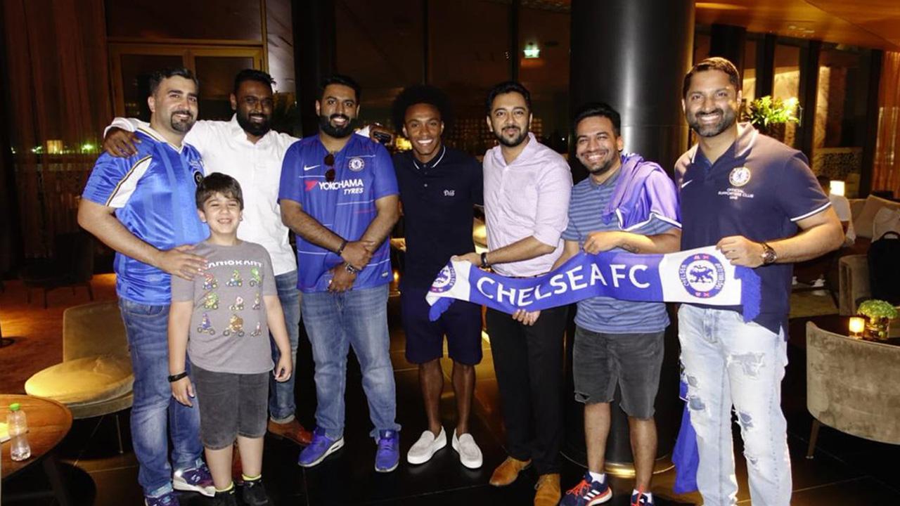 ويليان مع رابطة مشجعي تشيلسي في الامارات