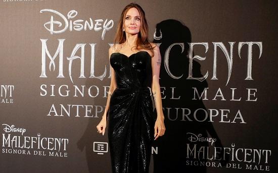 انجلينا جولى تتألق في العرض الأوربى الأول لفيلمها Maleficent