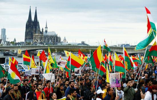 مظاهرة بالاعلام الكردية بألمانيا