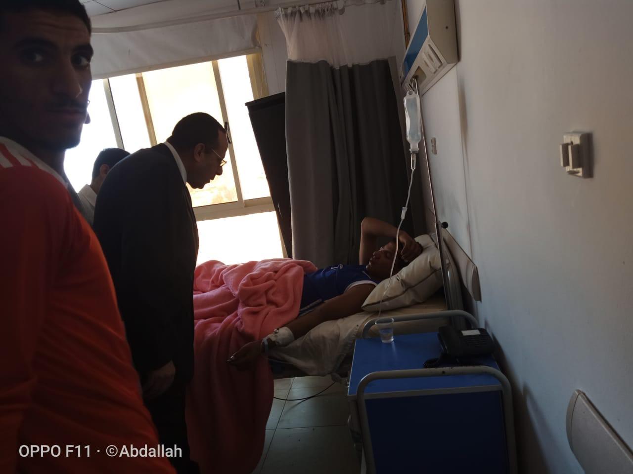 محافظ شمال سيناء يزور مصابى مدينة بئر العبد  (2)