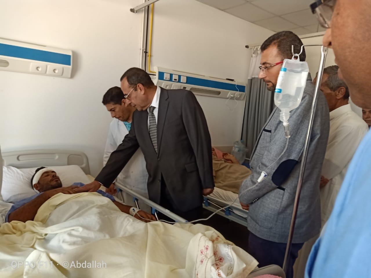 محافظ شمال سيناء يزور مصابى مدينة بئر العبد  (1)