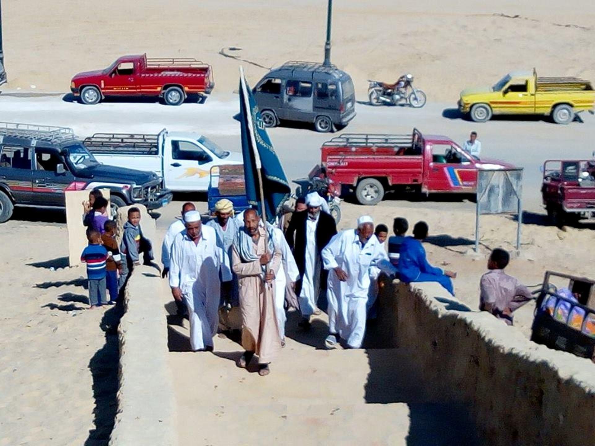 السيويون يحتفلون بعيدهم التراثيالسياحة في حب الله (1)