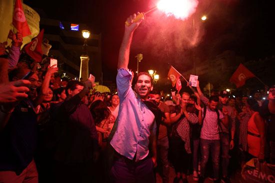 احتفالات فى شوارع تونس