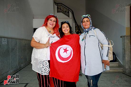 تونسيات عقب الإدلاء بأصواتهن فى الانتخابات الرئاسية
