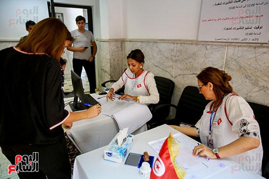 اللجنة الانتخابية تستقبل الناخبين التونسيين فى القاهرة
