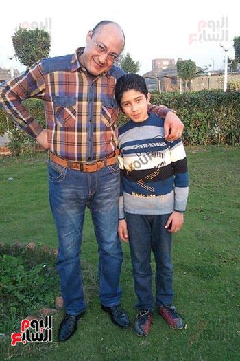 1-محمود-ووالدة