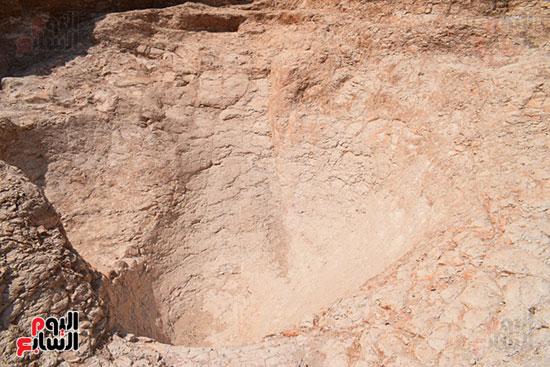 العالم الشهير زاهي حواس رئيس البعثة المصرية عاد لإكتشاف المزيد في وادي القرود