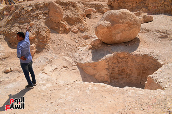 الإيطالى-بلزونى-أطلق-عليه-وادى-الفرود-لعثوره-على-نقوش-للقرود-فى-مقبرة-الملك-آي-التى-إكتشفها-قديماً