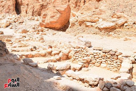 جانب من الورش المكتشفة داخل وادي القرود بأيادي زاهي حواس