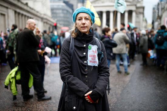 ناشطة-مناخية-فى-شوارع-لندن