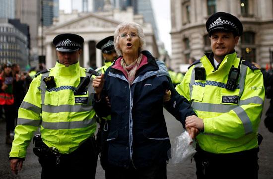 حملة-اعتقالات-بحق-نشطاء-المناخ