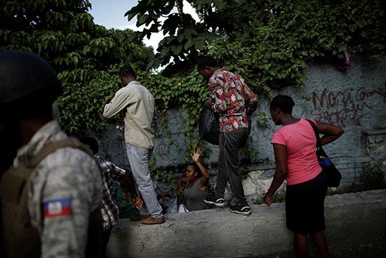 متظاهرات يطالبن برحيل رئيس هايتى